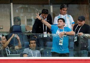 فیلم/ حرکات عجیب مارادونا در دیدار آرژانتین و نیجریه