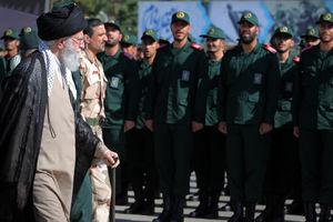 عکس/ حضور رهبر انقلاب در دانشگاه امام حسین(ع)