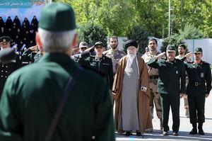 فیلم/ لحظه حضور رهبرانقلاب در دانشگاه امام حسین(ع)