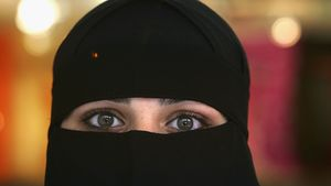 اسطوره تروریستهای زن داعش را بشناسید/ چرا داعش نسبت به القاعده زنان بیشتری جذب کرد؟