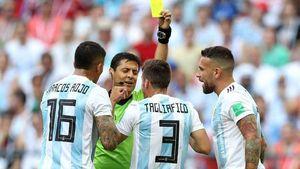 از 36 داور 17 داور در جام جهانی ماندگار شدند