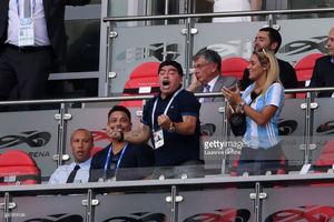حرکات غیراخلاقی همکاری مارادونا با فیفا را قطع کرد!