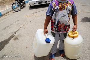 فیلم/ صف شبانه آب شرب در خرمشهر