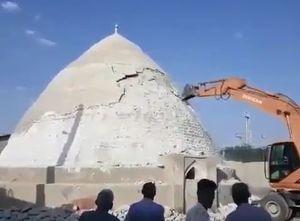 فیلم/ تخریب بنای تاریخی در لار
