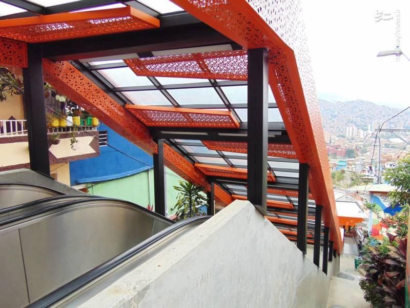 از طرفی افتتاح پله برقی کومونا به شهروندانی که به خاطر وجود پله های زیاد و خسته کننده خودشان را ایزوله کرده بودند و به قسمت های دیگر شهر رفت و آمد نمی کردند کمک کرد تا از این گرفتگی بیرون بیایند و بتوانند راحت تر جابه جا شوند.