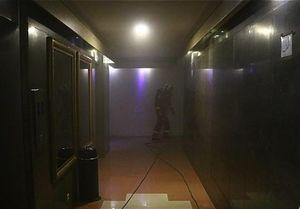 نجات ۵۰ زن و مرد در آتشسوزی برج ۲۱ طبقه آتیساز +عکس