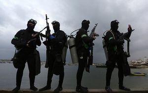کماندوهایی که دریا را برای صهیونیستها ناامن کردند/ نبرد با اسرائیل در زیر آب +عکس