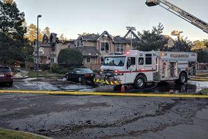 عکس/ سقوط یک بالگرد به روی ساختمان مسکونی