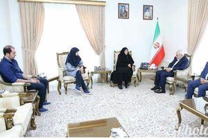 دیدار خانوادههای زندانیان تحریمی با ظریف