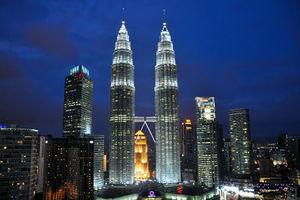 فیلم/ با 10 برج بلند دنیا آشنا شوید