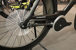 فیلم/ ساخت دوچرخه بدون زنجیر!