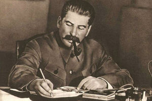 "عکس/ مزایده لیموزین ""استالین"""