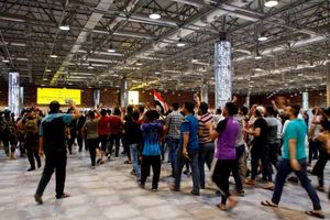عکس/ فرودگاه نجف در تصرف معترضان!,