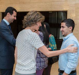 عکس/ دیدار بشاراسد و همسرش با فرزندان شهدا