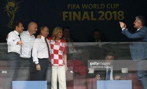 عکس/ عکاسی آقای گل جام جهانی از پوتین و رئیس جمهور کرواسی