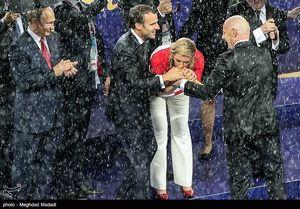 بوسه کیتاروویچ رئیس جمهور کرواسی بر جام جهانی