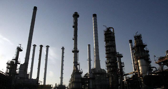 درآمد دولت احمدی نژاد و روحانی از فروش نفت چقدر بوده است؟+ عکس