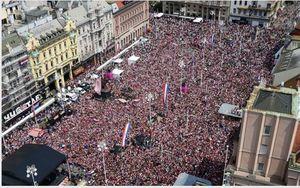 عکس/ استقبال مردم از کاروان تیم ملی کرواسی