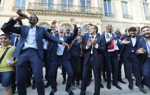 عکس/ حرکات موزون سرمربی فرانسه!