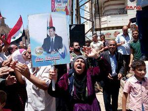 """عکس/ شادی مردم""""الحراک""""از ورود ارتش سوریه"""