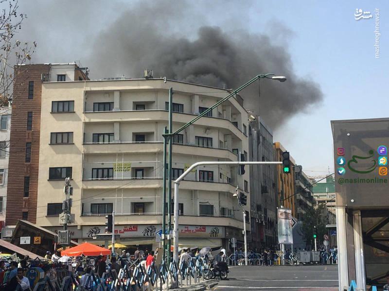 آتش سوزی ساختمان تجاری در چهارراه ولیعصر +عکس