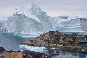 فیلم/ تایم لپس حرکت کوه عظیم یخی