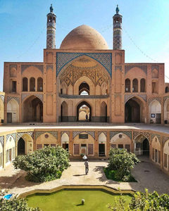 عکس/ معماری باشکوه مسجد آقابزرگ کاشان