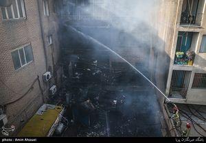 آتش سوزی انبار پارچه در تهران