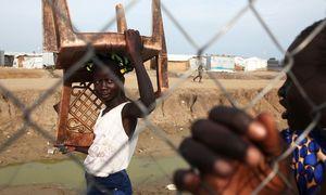 کودکی که نماد اعتراضات گسترده در سودان شد +عکس