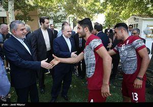 عکس/ وزیر ورزش به اردوی تیم ملی امید رفت