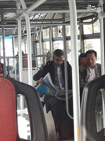 عکس/ عضو سابق تیم هستهای در اتوبوس بی آر تی