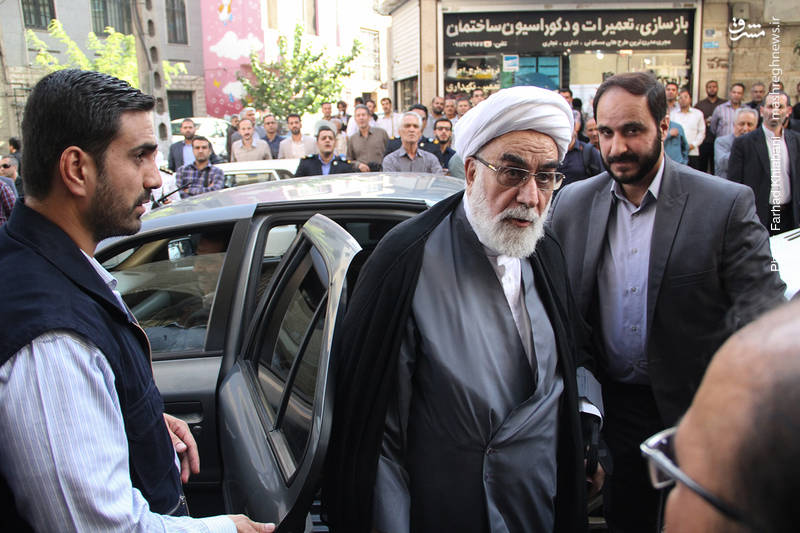 حجتالاسلام محمدی گلپایگانی رئیس دفتر مقام معظم رهبری