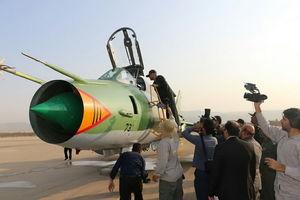 عکس/ رونمایی از بمب افکن سوخو ۲۲ سپاه