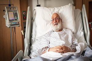 آیتالله عیسی قاسم از بیمارستان لندن مرخص شد