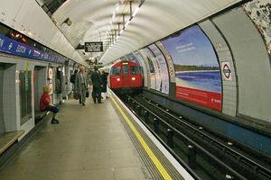 فیلم/ وضعیت عجیب متروهای لندن!