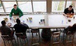یک سوم دانشجویان آمریکایی «گرسنهتر» از فقیران