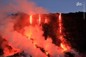 فیلم/ سرازیر شدن مواد مذاب کوه آتشفشان