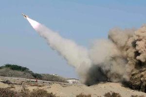 فیلم/فرود موشک بالستیک یمن بر سر مزدوران سعودی
