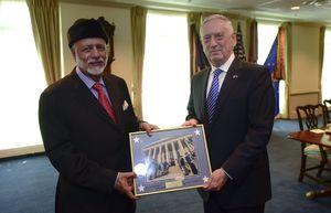 عکس/ سفر وزیر خارجه عمان به آمریکا