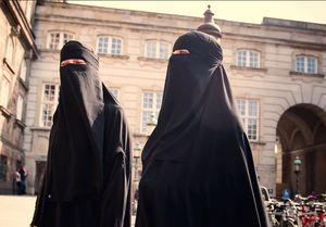 پوشیدن برقع