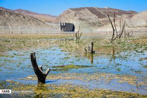 عکس/کاهش سطح آب سد «بارزو»