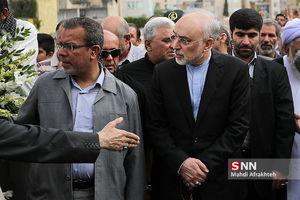 عکس/ حضور صالحی در تشییع پیکر شهید تازه تفحص