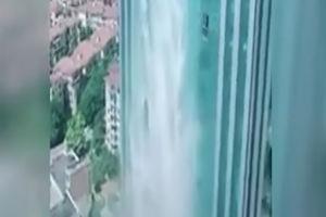 فیلم/ ساخت یک آبشار خارق العاده در چین!
