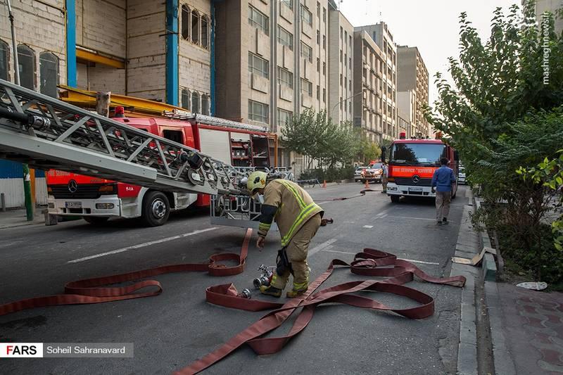 آتشسوزی ساختمان در حال احداث خیابان ویلا
