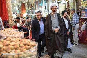 حضور امام جمعه شیراز در جمع کسبه بازار