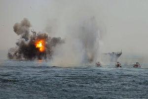 فیلم/ حمله به کشتی انگلیسی در خلیج فارس!