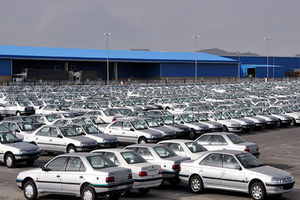 فیلم/ کشف ماشین احتکار شده در ایران خودرو!