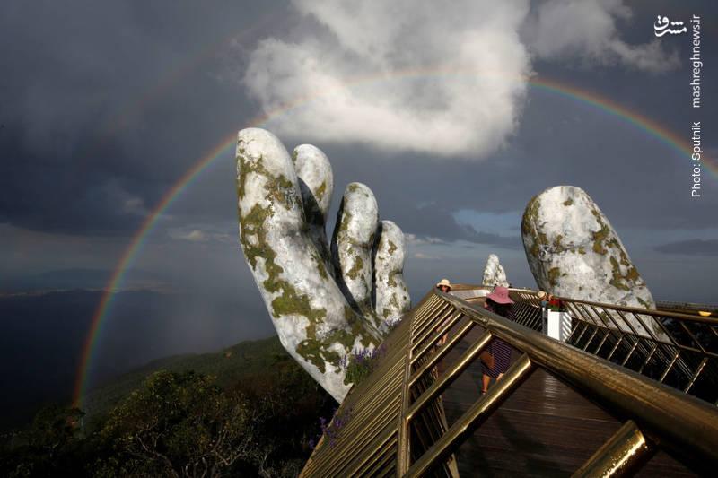 پل طلایی در منطقه گردشگری تپه بانا در ویتنام
