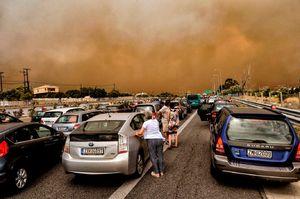 عکس/ آتش سوزی در یونان جان 90نفر را گرفت