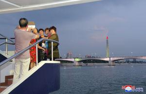 کشتی تفریحی چینیها وارد کره شمالی شد